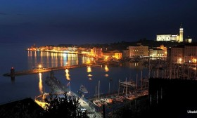 h8_1Piran_by_night